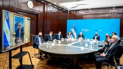 Alberto Fernández mantuvo reuniones por videoconferencia
