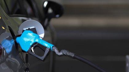 Desde mañana aumentarán un 6% en promedio los precios de sus combustibles