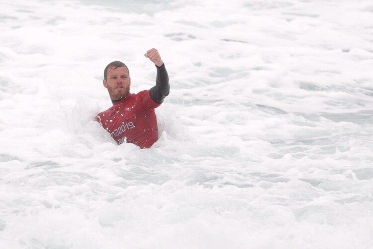 Leandro Usuna logró una nueva medalla de plata para Argentina en Surf (REUTERS/Guadalupe Pardo)