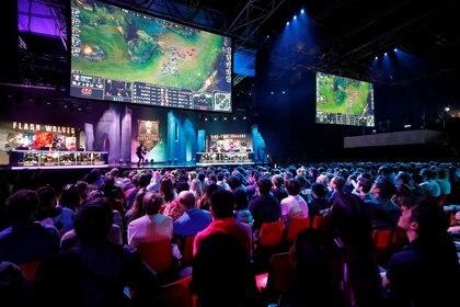 La comunidad de fanáticos es una columna fundamental de League of Legends (REUTERS/Philippe Wojazer).