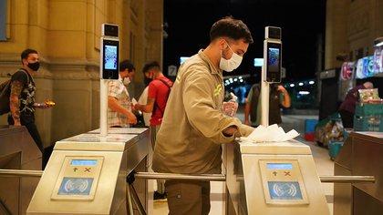 AMBA: se registró una baja del 43% de usuarios del transporte público durante la noche del viernes