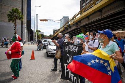 Una protesta de trabajadores de la salud en Venezuela en octubre de 2020. REUTERS/Adriana Loureiro