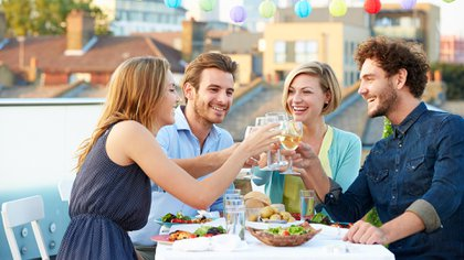 La oferta de dietas milagrosas aumenta, en tiempos en los que se multiplican los festejos (Getty Images)