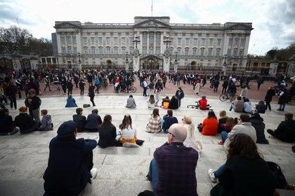 El Palacio de Buckingham después de que anunció la muerte del príncipe Felipe
