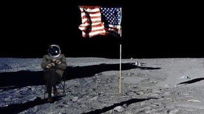 Bernie Sanders en la luna.