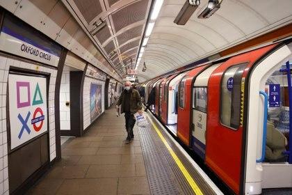 La cepa británica sería hasta un 30% más letal y un 70% más contagiosa (Reuters)