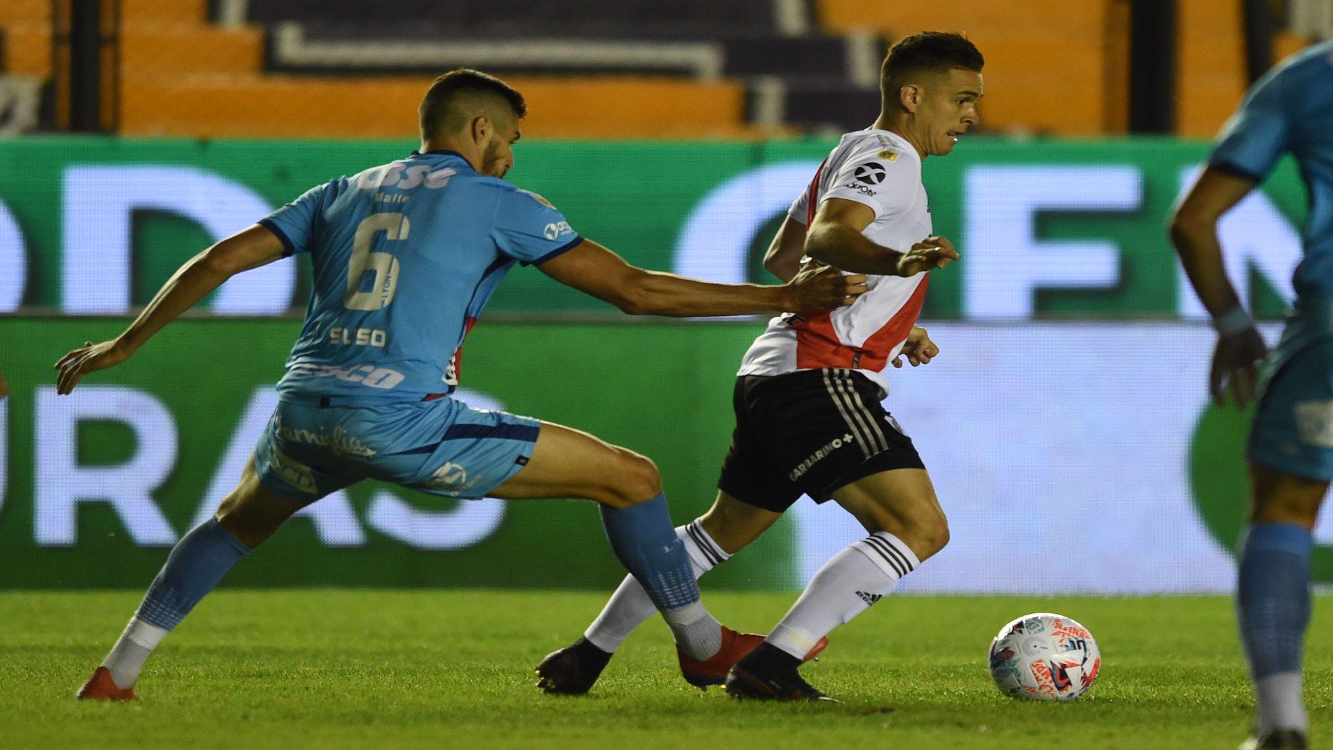 Rafael Santos Borré fue titular con River Plate en su visita a Arsenal de Sarandí por la octava fecha de la Copa de la Liga Profesional / (Twitter: @RiverPlate).