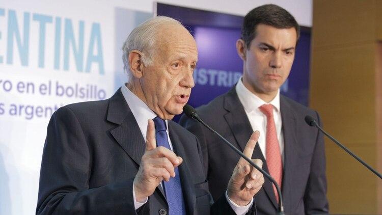 Roberto Lavagna junto a su compañero de fórmula Juan Manuel Urtubey