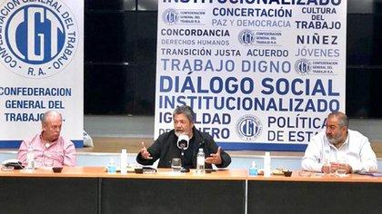 Andrés Rodríguez, Gerardo Martínez y Héctor Daer, tres miembros de la mesa chica de la CGT