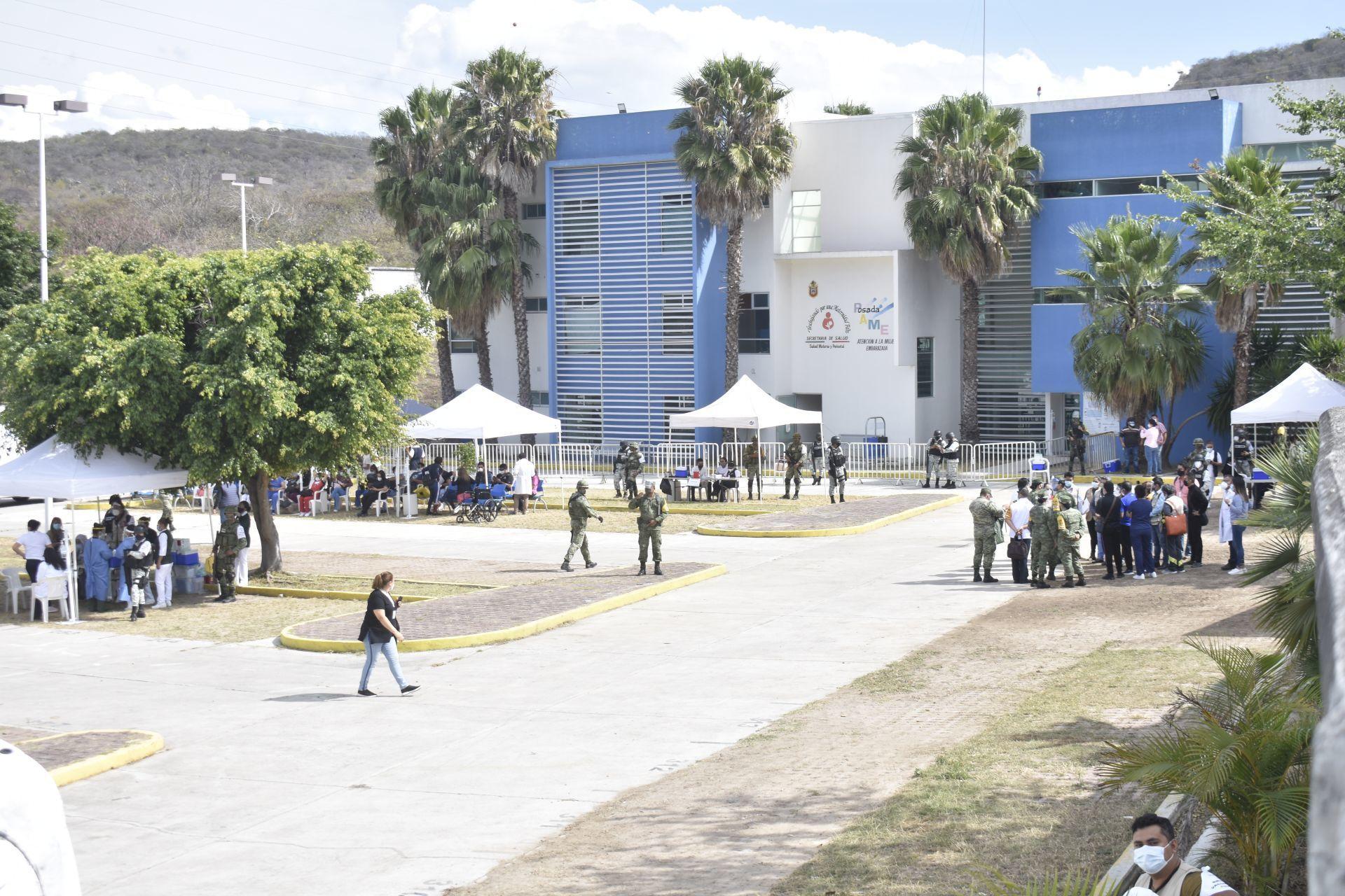 VACUNACION - PERSONAL MEDICO - MEXICO - VACUNA - COVID 19 - CORONAVIRUS - 14012021