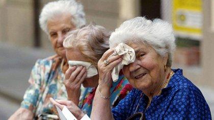Los ancianos y los niños son los que corren más riesgo ante un golpe de calor