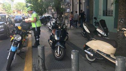 La Policía de la Ciudad durante uno de los operativos de control de motos en el barrio de Palermo (2017)