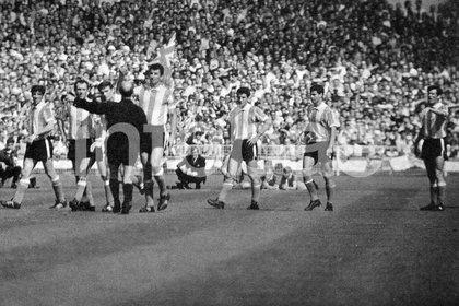 Una escena histórica de Don Ricardo Alfieri: la expulsión de Rattin en 1966