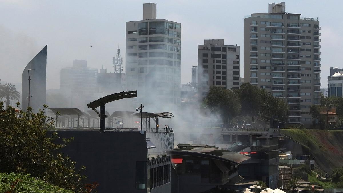 Incendio en un centro comercial de Perú: al menos cinco muertos