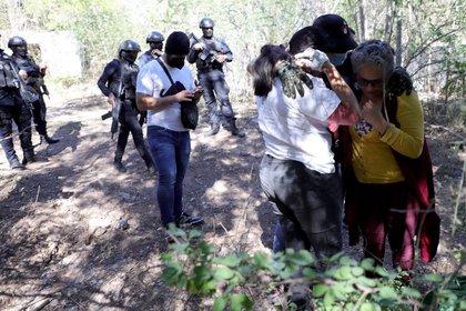 CULIACÁN, SINALOA, 25ENERO2021.- El colectivo de buscadoras de desaparecidos en Sinaloa, Sabuesos Guerreras, fue agredida a balazos, después de hallar restos humanos en una hacienda abandonada  FOTO: JUAN CARLOS CRUZ/CUARTOSCURO