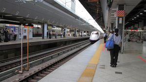 """""""El milagro de los 7 minutos"""", la increíble coreografía para la limpieza del tren bala japonés que se estudia en Harvard"""