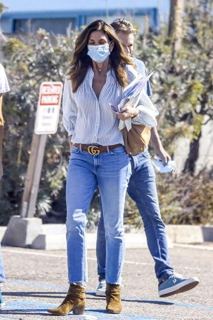Kaia Gerber y Cindy Crawford fueron a votar en Malibú, Los Ángeles, California junto a Rande. La familia ejerció su deber cívico de cara a las elecciones presidenciales de Estados Unidos