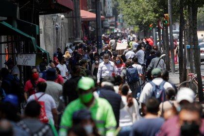 La pandemia de coronavirus también ha implicado serias afectaciones para el empleo en México. (Foto: Henry Romero/Reuters)