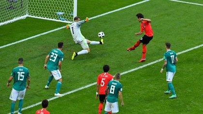 El primer gol del partido llegó en tiempo de descuento (Reuters)