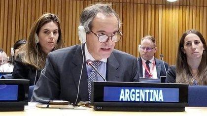 Grossi tiene amplia experiencia como diplomático involucrado en la no proliferación nuclear y de armas de destrucción masiva