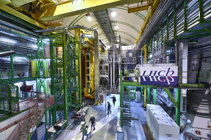 Esta foto de 2018 facilitada por el CERN muestra el sistema LHCb Muon en la instalación del Gran Colisionador de Hadrones de la Organización Europea para la Investigación Nuclear en las afueras de Ginebra. (Maximilien Brice, Julien Marius Ordan / CERN vía AP)