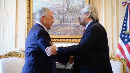 Alberto Fernández y el secretario de Estado adjunto para Asuntos del Hemisferio Occidental, Michael Kozak