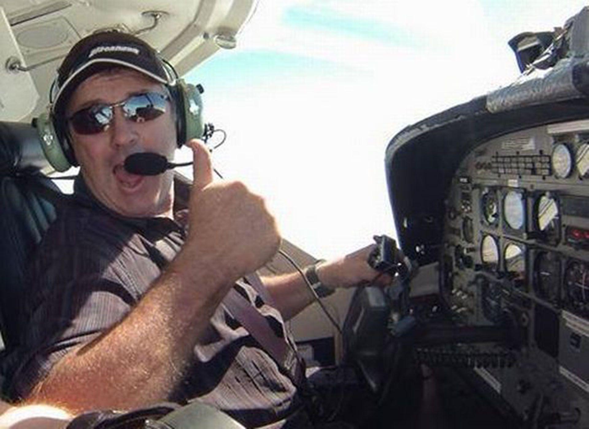 Dave Ibbotson no estaba familiarizado con el modo de piloto automático de la aeronave desde su última renovación de licencia en 2017 (Grimsby Live)