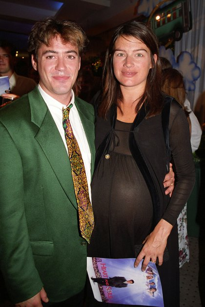 Junto a su segunda esposa y madre de Indio, Deborah Falconer (Shutterstock)