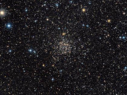 TOI-561, que tiene al menos otros dos planetas orbitando alrededor.  GUILLAUME SEIGNEURET/NASA