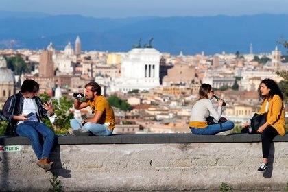 En Roma ya se empieza ver gente por la calle (Reuters)