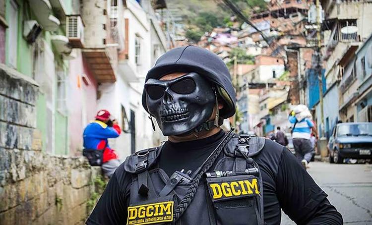 Los oficiales de la Dgcim se mueven por la ciudad con máscaras truculentas para ocultar sus rostros
