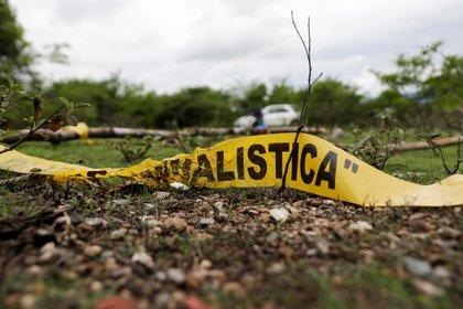 Una cinta policíaca en la  Barranca del Carnicero, donde Christian Alfonso Rodriguez Telumbre, uno de los 42 estudiantes de Ayotzinapa fue encontrado en una montaña en Cocula, cerca de Iguala, Guerrero (Foto: REUTERS/Henry Romero)