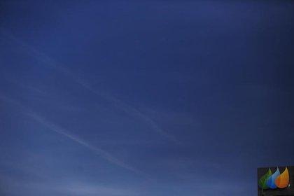 Imagen de archivo del logo de la compañía eléctrica española Iberdrola en lo alto de su sede central en Madrid. 6 octubre 2014. REUTERS/Susana Vera
