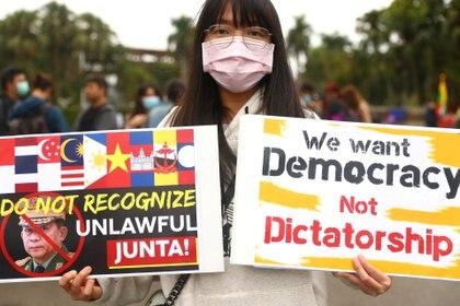 Continúan las manifestaciones contra la junta militar en Myanmar (REUTERS/Ann Wang)