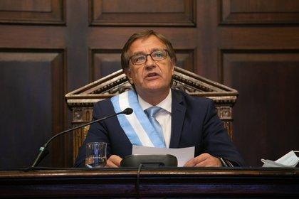 Gobernador de Mendoza, Rodolfo Suárez, logró renegociar la deuda