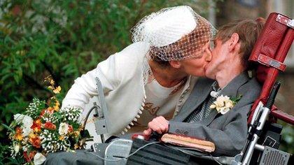 Elaine Mason no sólo manipuló a Hawking, sino que además lo humilló, lo golpeó y lo maltrató a lo largo de más de una década (REX/Shutterstock)