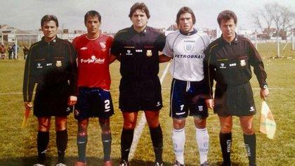 También fue capitán de Racing y disputó varios clásicos contra Independiente