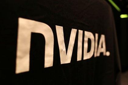 Nvidia era conocida como fabricante de placas aceleradoras de video para computadoras multipropósito y hogareñas, pero su negocio se fue diversificando hasta llegar a la inteligencia artificial en rubros como los vehículos autónomos, y ahora se vuelca a las operaciones en la Nube. REUTERS/Robert Galbraith