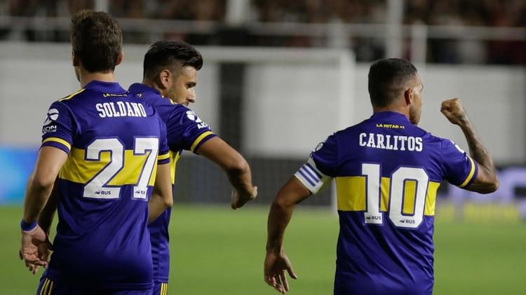 El festejo de Carlitos tras el 1-0 (Foto: Télam)