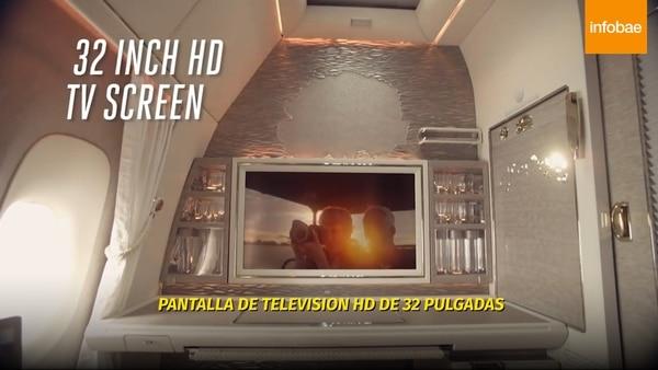 La pantalla del televisor es de 32 pulgadas