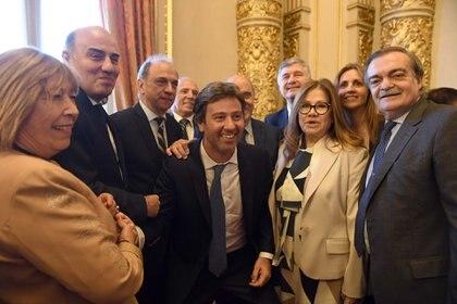 El camarista Diego Barroetaveña, el fiscal Raúl Pleé, Juan Bautista Mahiques, el juez Juan Manuel Culotta (atrás), la diputada Graciela Camaño, la consejera Marina Sánchez Herrera y el juez Alberto Lugones.