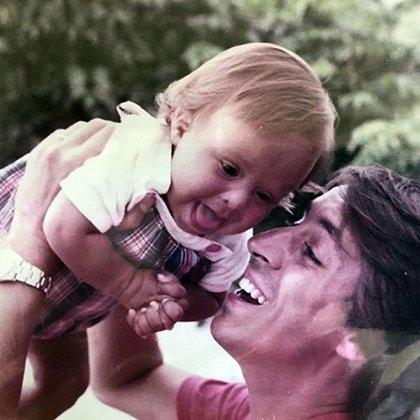 Gabriel Masfurroll junto a su hijo Alex - @fundacionalex