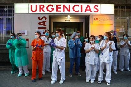 A nivel mundial, el informe predice que el actual déficit de unos 5,9 millones de enfermeras aumentará (REUTERS)