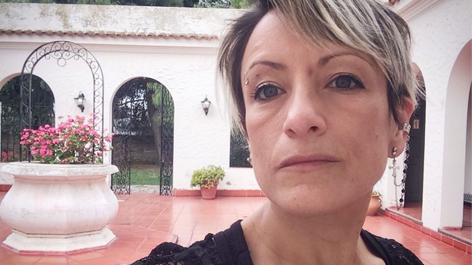 """La editora Paula Brecciaroli dice: """"Nadie está completo nunca, ni aún con un hijo"""". (IG: @paulabrecciaroli)"""
