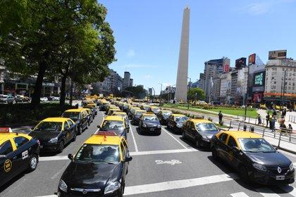 Los sindicatos de taxis también realizaron una protesta en el centro de Buenos Aires