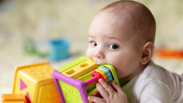 """Los niños son los principales afectados por el humo ambiental y """"de tercera mano"""". (Shutterstock)"""