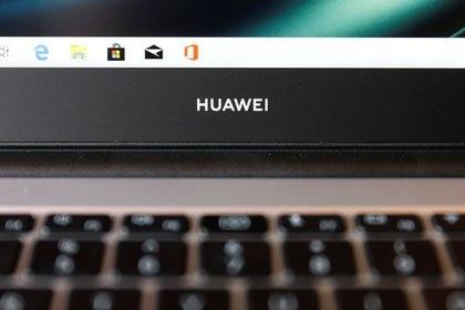 GBretaña excluye a Huawei de red celular de alta velocidad