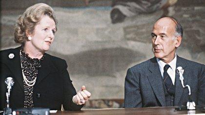 Giscard d'Estaing junto a la premier británica Margaret Thatcher (Gabriel Duval/ AFP)