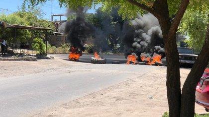 Narcobloqueos en Michoacán por un operativo contra el líder de Los Viagras (Foto: Quadratín Michoacán)