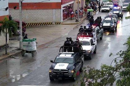Actividades de las autoridades para salvaguardar a la población(Foto: Cortesía Semar)